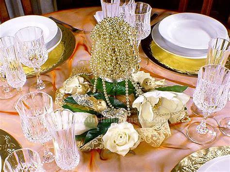 tavola natalizia fai da te centrotavola e altri addobbi per una tavola natalizia di lusso