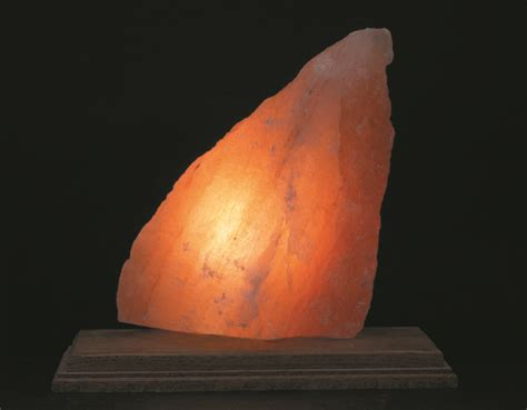 himalayan salt l ions how we benefit from negative ions of himalayan salt lamps