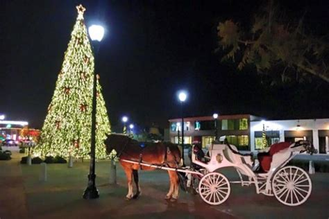 10 arkansas places with amazing christmas decorations