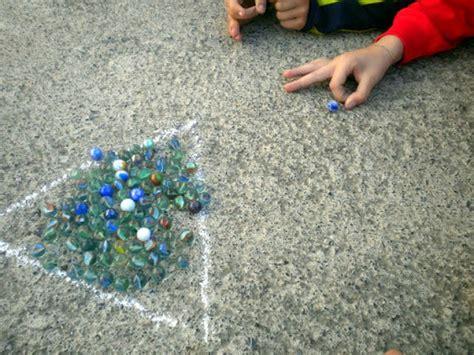 imagenes niños jugando a las canicas la educaci 243 n f 237 sica en primaria