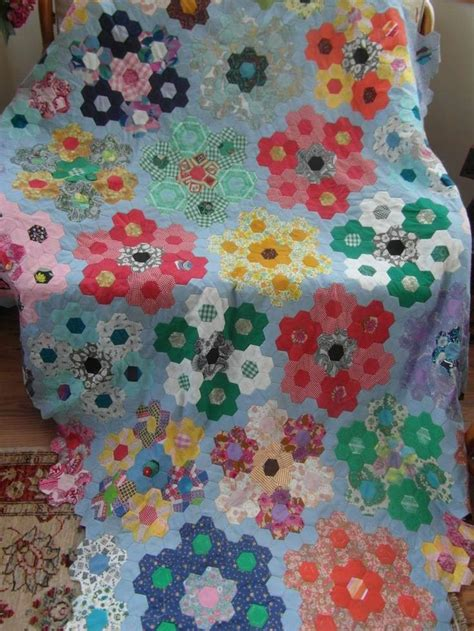 Hexagon Patchwork Blanket - 336 best hexagon quilts images on antique