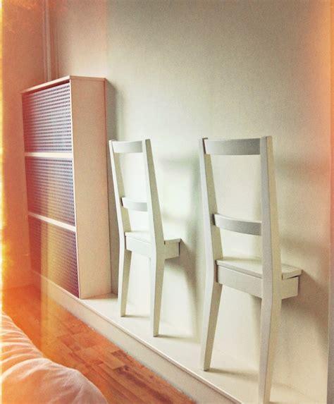 Stuhl An Der Wand by Ein Viertel Stuhl Als Aufbewahrungstool Wohnbu De