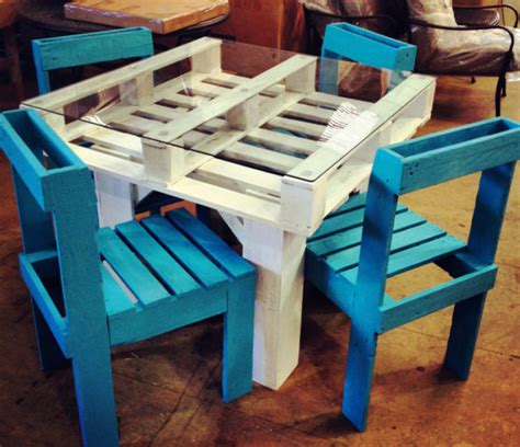 diy pallet chair 6 diy pallet furniture tutorials times guide to living green