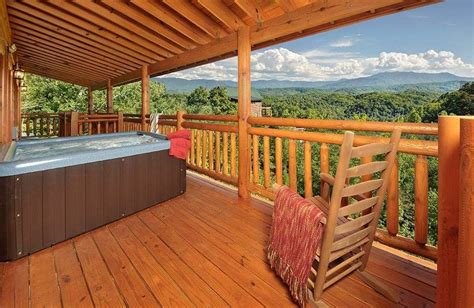 Cabins In Pigeon Forge And Gatlinburg by 4 Secluded Cabins In Pigeon Forge And Gatlinburg For A