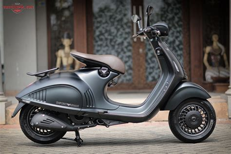 Harga Vespa 946 Giorgio Armani vespa 946 emporio armani the edition of the most