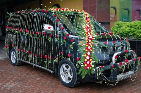 enjoy lighting decorators  nice marriage decoration car