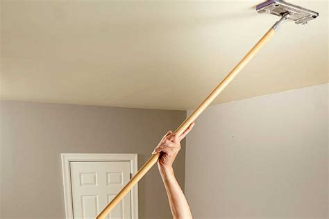 Sand Paint Ceiling by 10 Tips For Painting Ceilings Australian Handyman Magazine
