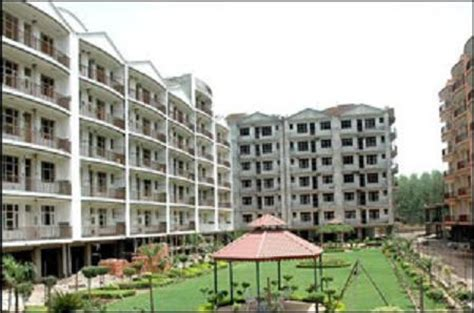 2 bhk flats in zirakpur near chandigarh 2 bhk for sale 2 bhk apartment residential property in peer muchalla