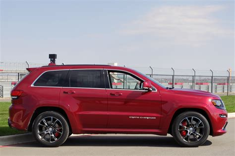 jeep grand cherokee srt offroad 2014 jeep grand cherokee srt autoblog