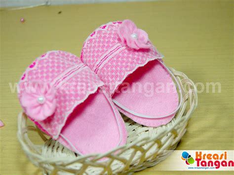 tutorial membuat sandal tidur tutorial cara membuat sandal bayi dari kain flanel