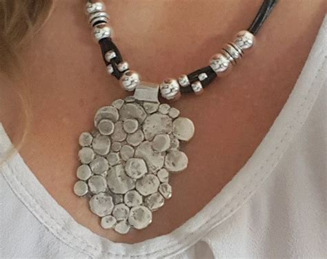 cadenas de plata cortas collar de cuero cortas con grande plateado plata
