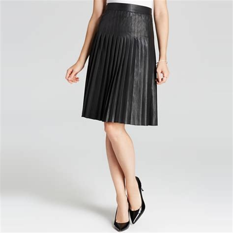 rank style pleated faux leather skirt