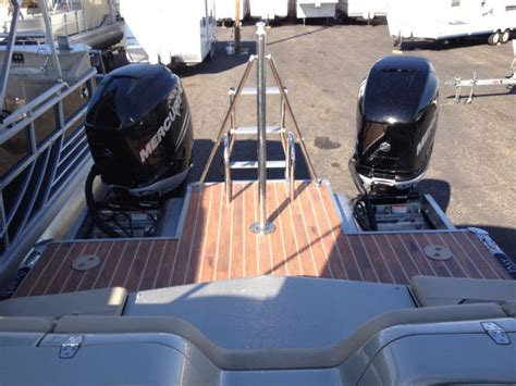 tritoon boat with twin 300 twin 300 tritoon 70mph say what river daves place
