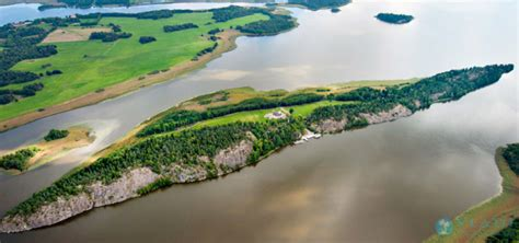 comprare casa in svezia tiger woods vende un isola privata in svezia casa it