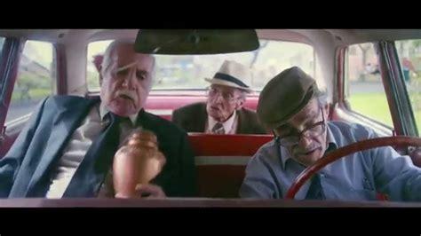 imagenes adolecentes atrevidas viejos amigos trailer oficial estreno 14 de agosto