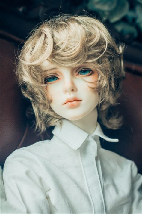 jointed doll boy bjd with beautiful the hair is color