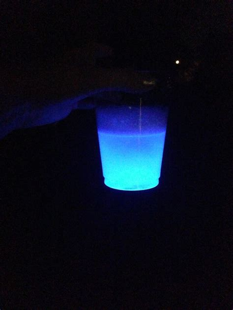 glow in the water glow stick in water crafts
