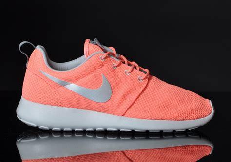 Nike Rhose Run roshe run grise et fluo