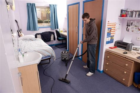 tidy your bedroom how to make cleaning your room a game clean the bedroom