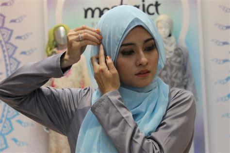 tutorial pashmina babat tutorial cantik dengan hijab shawl sederhana foto 7