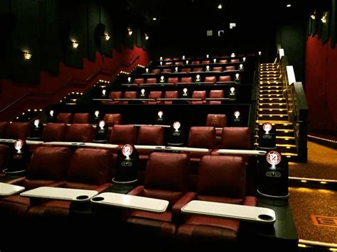 movie theaters with recliners chicago amc theatres has opened an amc dine in theatre at amc