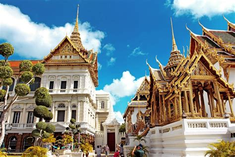 thai palace why visit thailand hint it s not for a full moon party