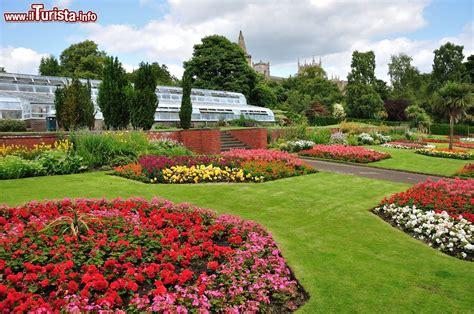 giardini fioriti immagini giardini fioriti nel parco pittencrieff a dunfermline