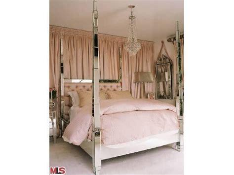 paris hiltons bedroom paris hilton s pad for rent master bedroom 7 cnnmoney com