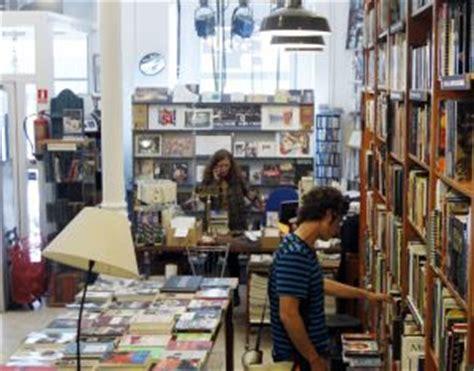 libreria inglesa en madrid 10 librer 237 as de madrid en las que consultar al camarero