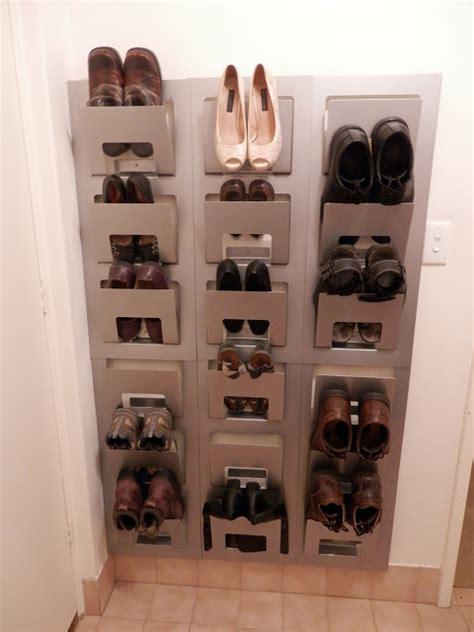 rangement chaussure porte 49 id 233 es astuces pour le rangement des chaussures