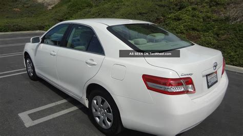 Toyota Camry Le 2010 2010 Toyota Camry Le White