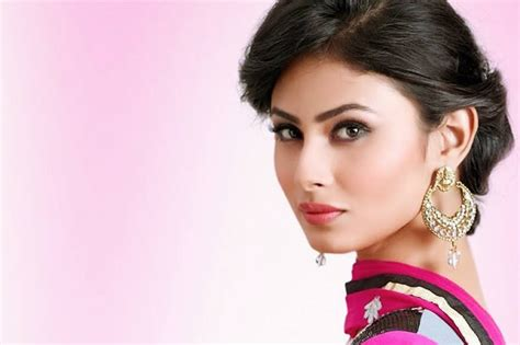 mauni roy full hd photos download famous tv star mouni roy images in hd