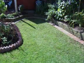 Landscape Edging Using Bricks High Quality Landscape Edging Brick 15 Lawn Edging With