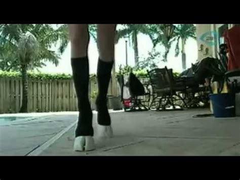 mujer con caballo mujer con patas de caballo video youtube