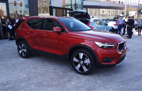Volvo Electric Vehicles 2019 by 2019 Volvo Xc40 Small Suv To Become Brand S Electric Car