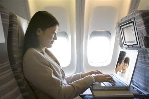 Wifi Garuda Indonesia menikmati dalam penerbangan garuda indonesia