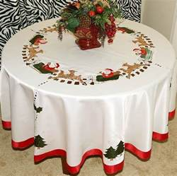 vintage christmas embroidered santa tablecloth round white ivory with napkins ebay