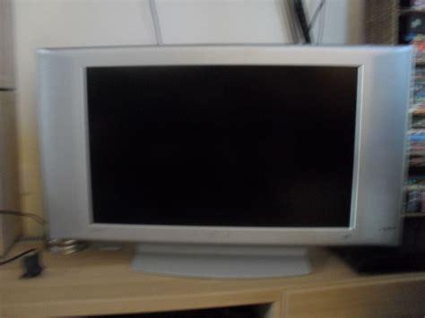 Tv Lcd Akari 24 Inch flat tv silver philips hd ready remote 26