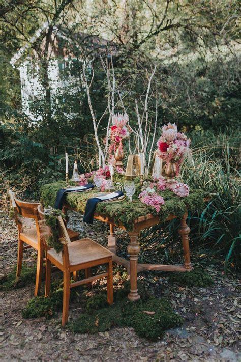 Tischdeko Hochzeit Natur by M 228 Rchenhafte Ideen F 252 R Eine Hochzeit Mit Moos Und Vintage Deko