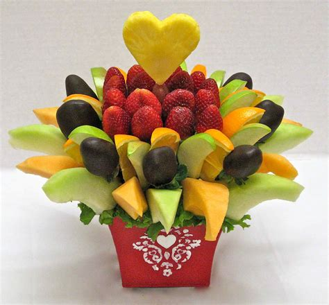 edible arrangements centerpieces how to make your own edible fruit arrangement crazeedaisee