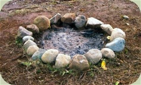 building a pit with rocks stay ridiculously warm rock outdoor bed options on