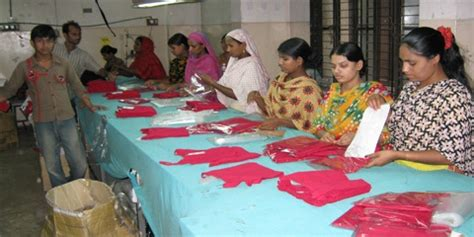 finishing section in garment industry finishing section tagging and folding sewing factory