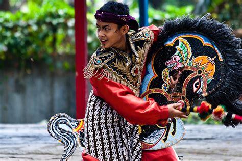 kuda lumping javanese traditional top indonesia holidays