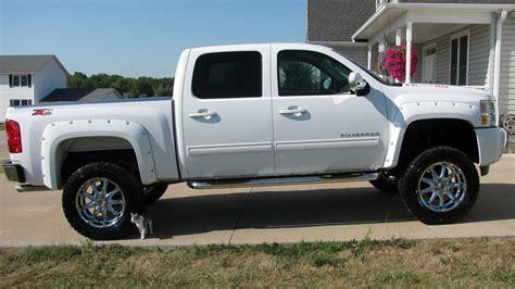 silverado  lifted fullsize light duty trucks gm truckscom