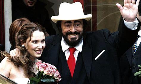 elisabetta mantovani opera chic luciano pavarotti