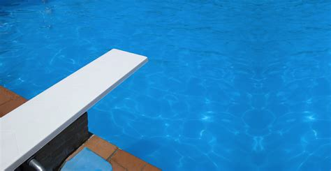 Swimming Pool With Diving Boards Swimming Pool Diving Board Maintenance