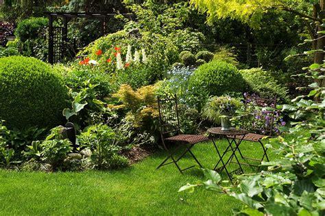 Sitzplatz Im Garten Anlegen by Sitzpltze Im Garten Simple Garten Mediterran Bb With