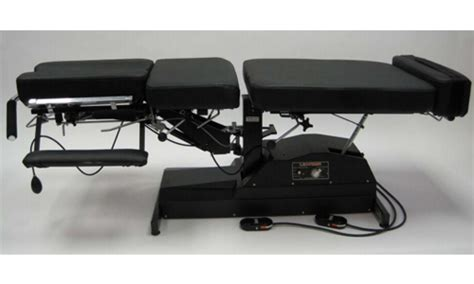 leander flexion distraction table leander 950 series chiropractic table bryanne enterprises