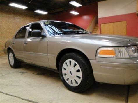 sell   ford crown victoria p police interceptor heavy duty police package  cortland