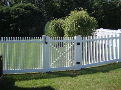 17 best ideas about vinyl fence cost on wood